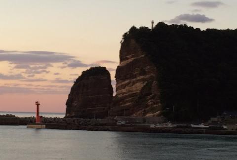 夕景たてがみ岩